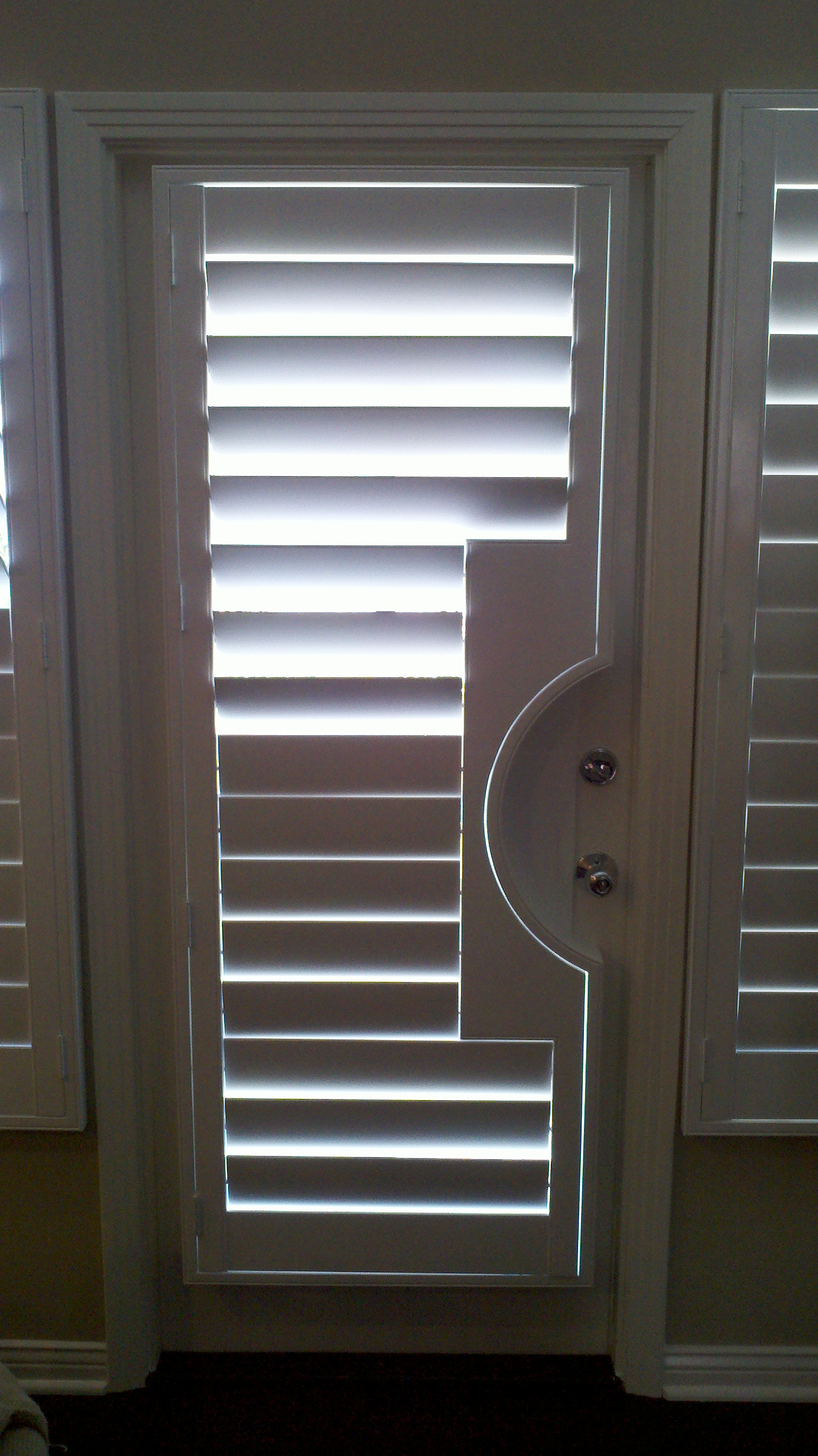 Round Cut Out shutter