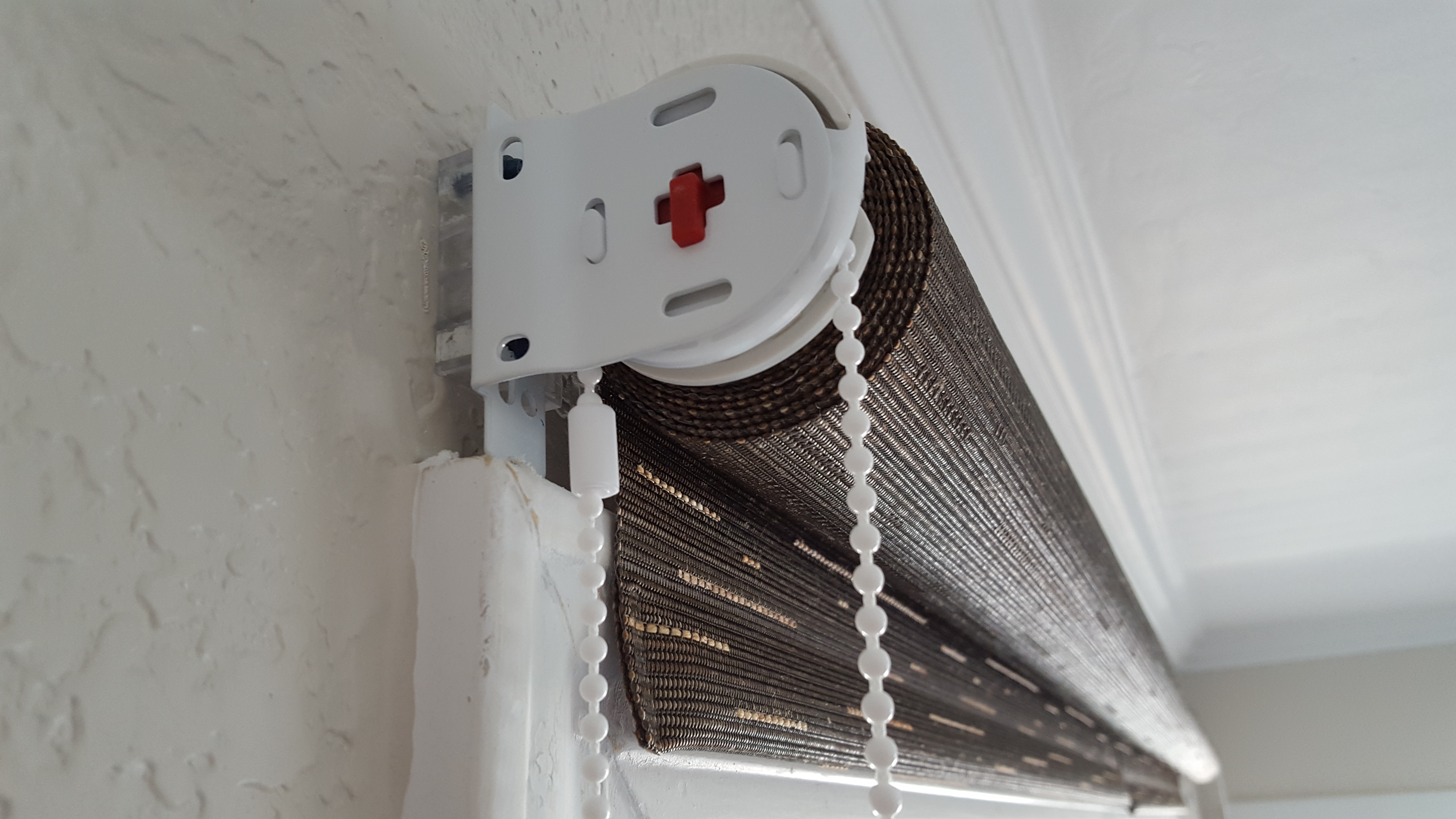 Roller Shade With Spacer Block